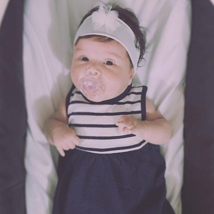 Bebê Laura com Vestido e Tiara